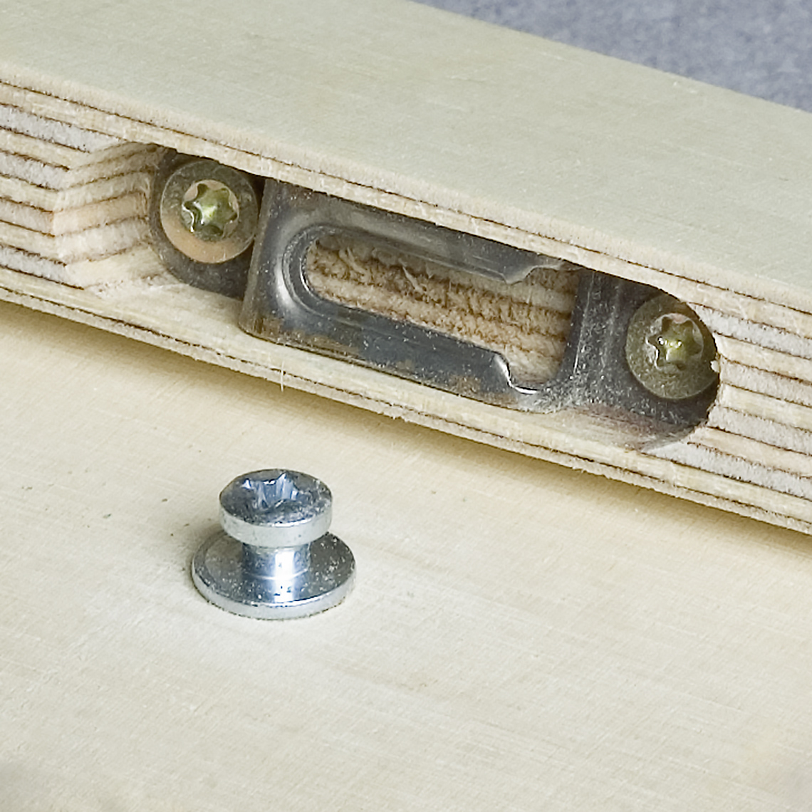Mod-eez Furniture fasteners