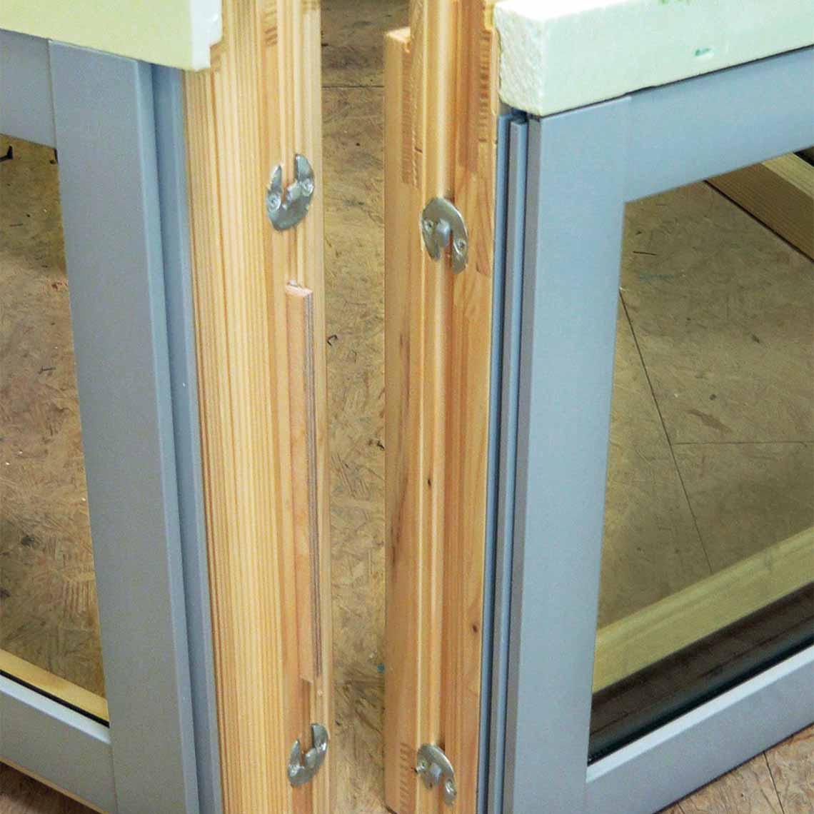 DUO hook connectors for Window and Door manufacturing