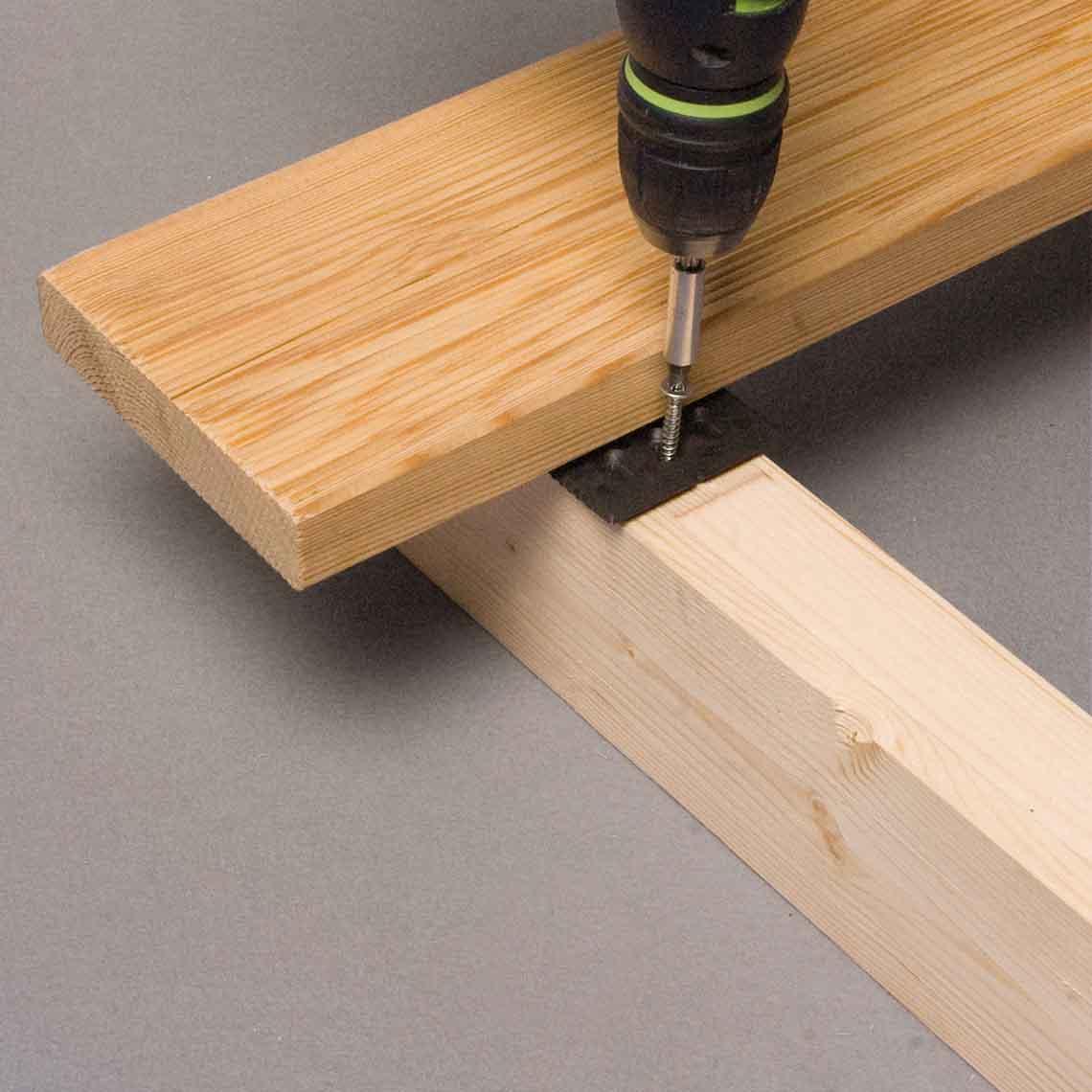 Quatro hidden fasteners install