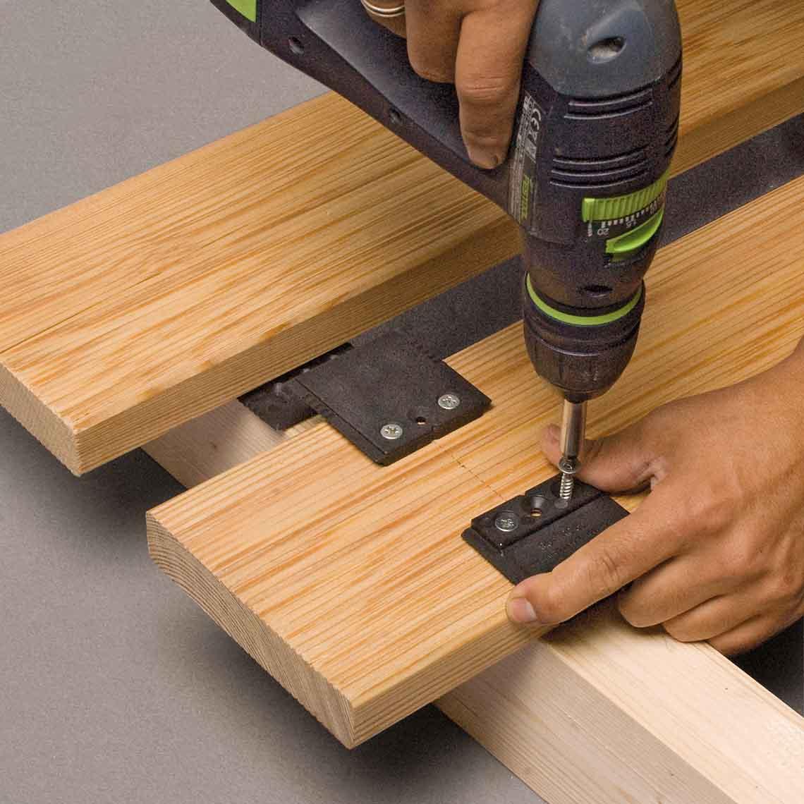 Quatro hidden deck fasteners